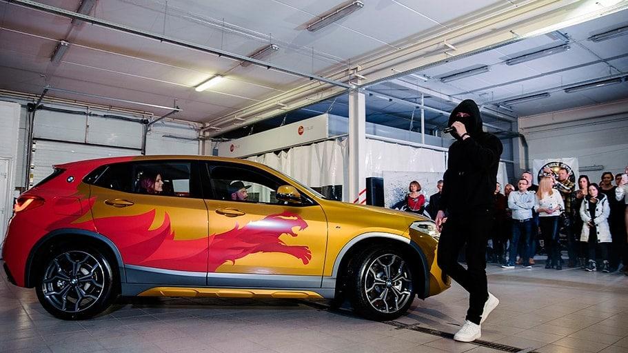 Брендирование BMW X2 для дилерского центра в Петрозаводске